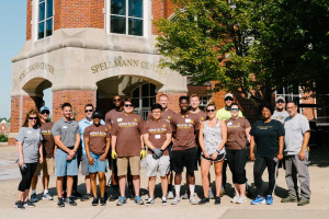 Lindenwood Teams Up With UPS for Campus Beautification Day
