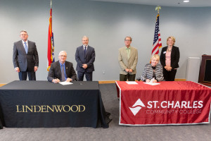 Lindenwood Signs Agreement with St. Charles Community College