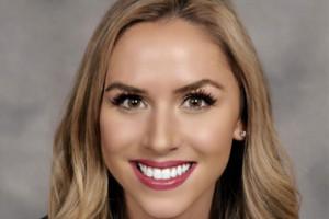 Kayla Piers Stewart Wins Young Alumni Award