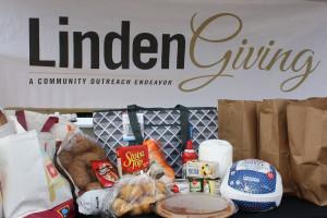 Lindenwood Provides 100 Thanksgiving Meals