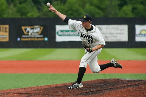Lions Baseball Advances to National Championships after Winning Central Regional