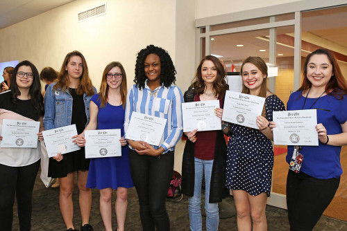 Psychology Students Present Original Research, Welcome New Psi Chi Members