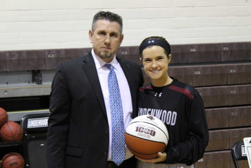 Junior Guard Brianna Mueller Becomes All-Time Leading Scorer for Lady Lynx Basketball