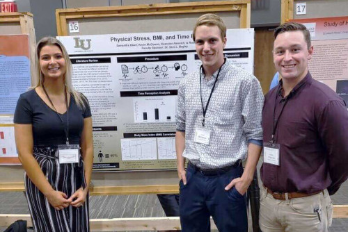 Students Present Research at Midwest Regional Neuroscience Conference