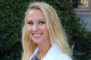 Biology Alumna Pursues Doctorate of Dental Surgery to Spread Smiles