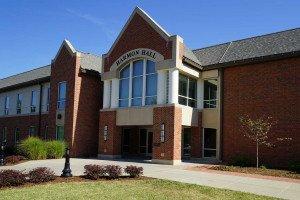 Lindenwood Business Students Manage $100,000 Portfolio