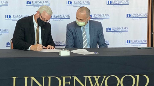 Lewis and Clark Signs Transfer Partnership with Lindenwood