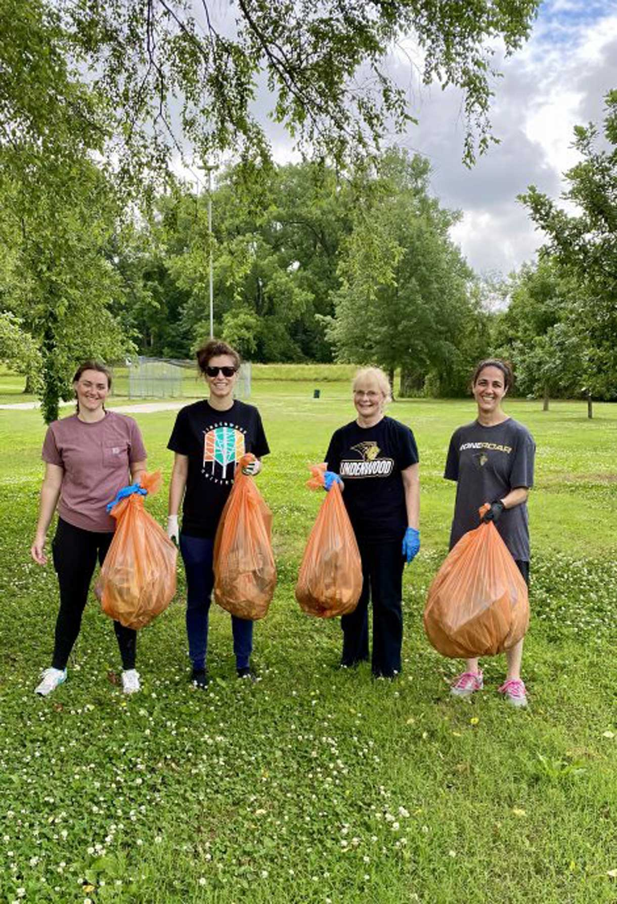 lindengiving crew cleaning up park